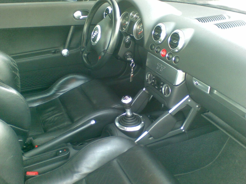 Audi tt vendre alfavendee occasions for Interieur tt 2000